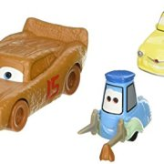 Mattel--Cars-3--Flash-McQueen-en-Chester-Whipplefilter-Luigi-Guido--1-Pack-de-2-Vhicules-Miniatures-Die-Cast-0