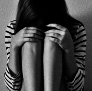 Memoria Narrante, ragazza triste, foto web