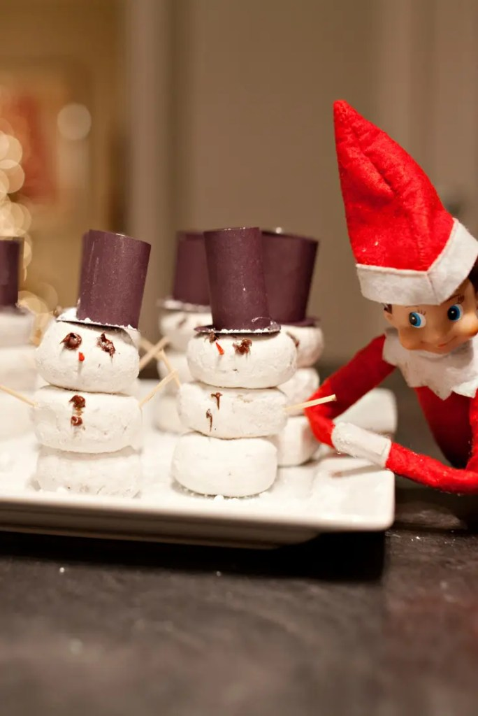 Elf on the Shelf ideas 6 A blog for the love of Pinterest