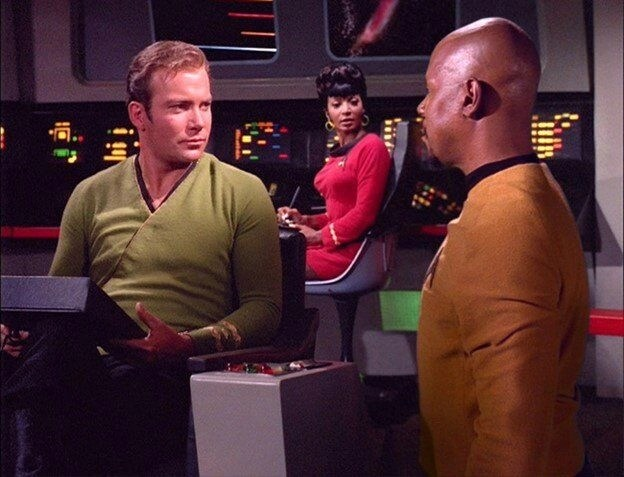 Tribbles 26 Sisko asks for autograph A blog for the love of Pinterest