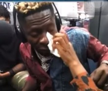 Shatta Wale Cries Like A Baby In The Studios Of Hitz FM. 6