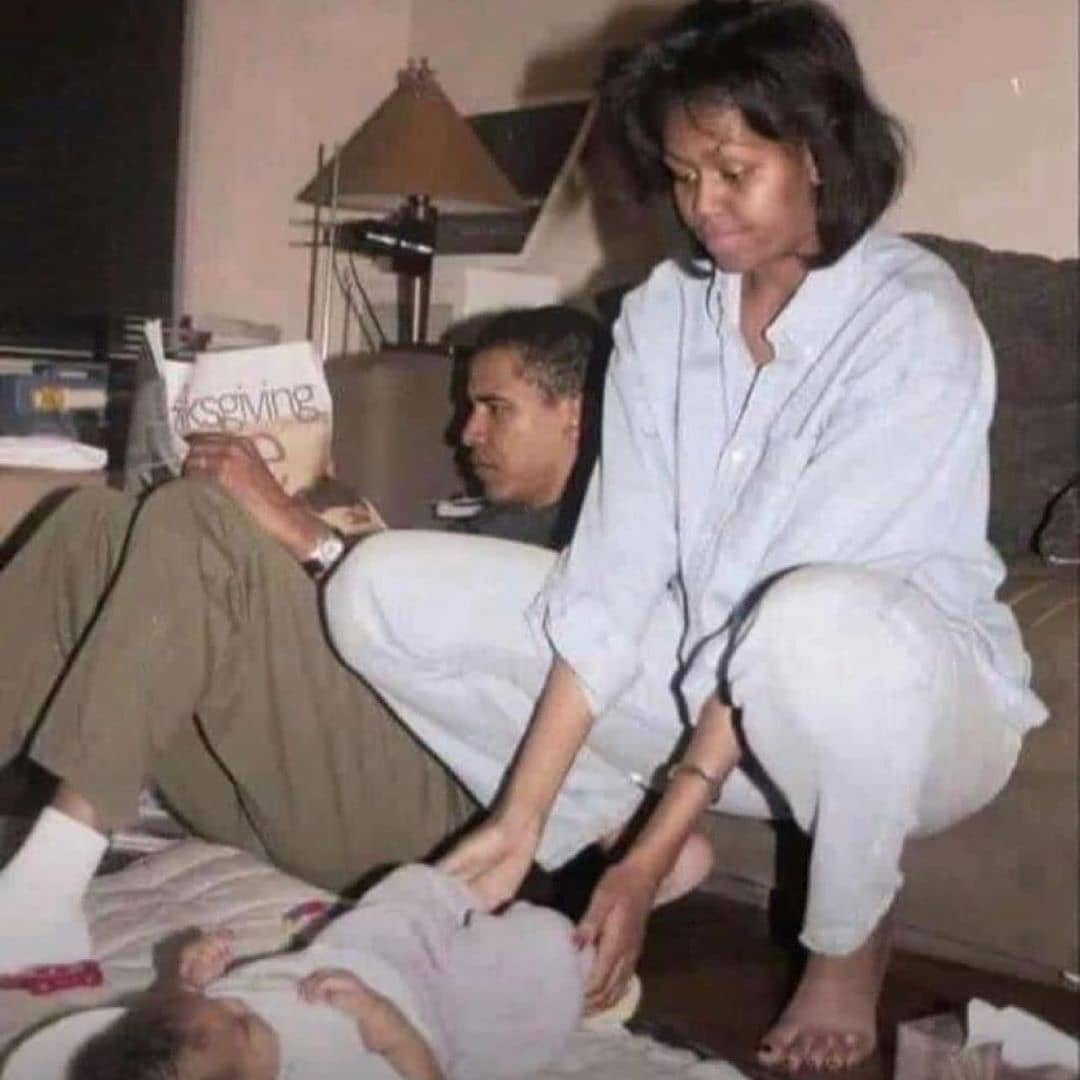 Photo of Barack Obama And His Wife Living In A Single Room Goes Viral 2