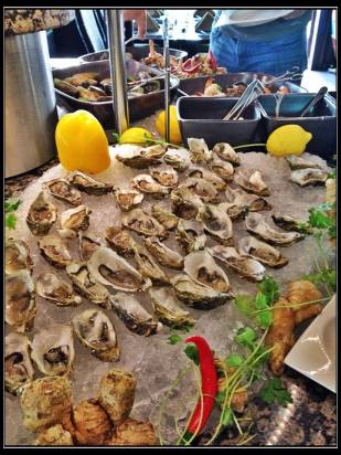 Friday Brunch at Beachcombers, Jumeira Beach Hotel, Dubai