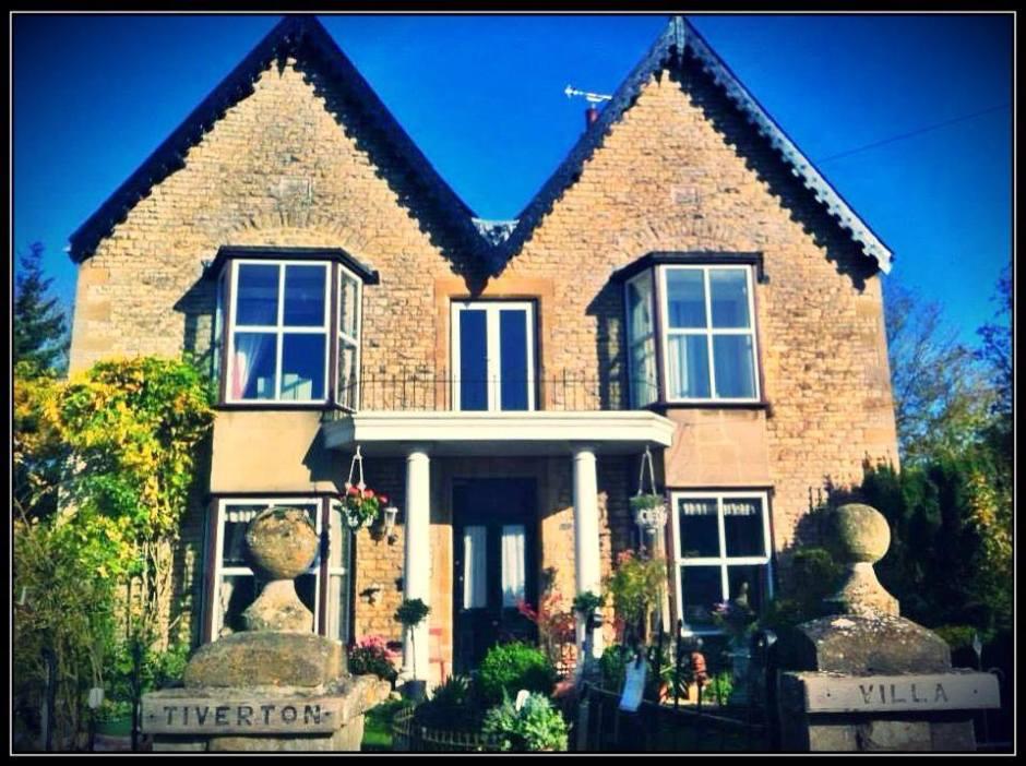 Tiverton Villa, Burford