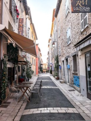 Day Trips from Nice: Valbonne