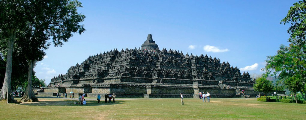 The magnificent Borobudur Temple. photo credit: Wikipedia Commons. Click on the image for a larger view.