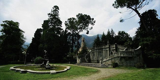 800px-Tremezzo,_giardini_pubblici_(Ian_Spackman_2007-007-0-)