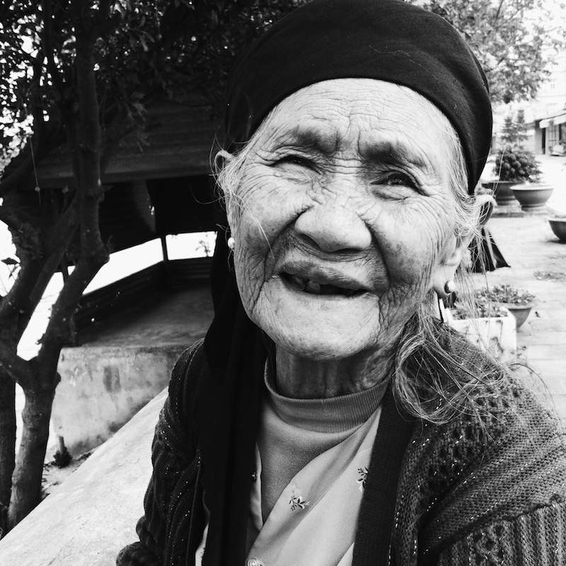 pinaytraveller portrait of an old woman