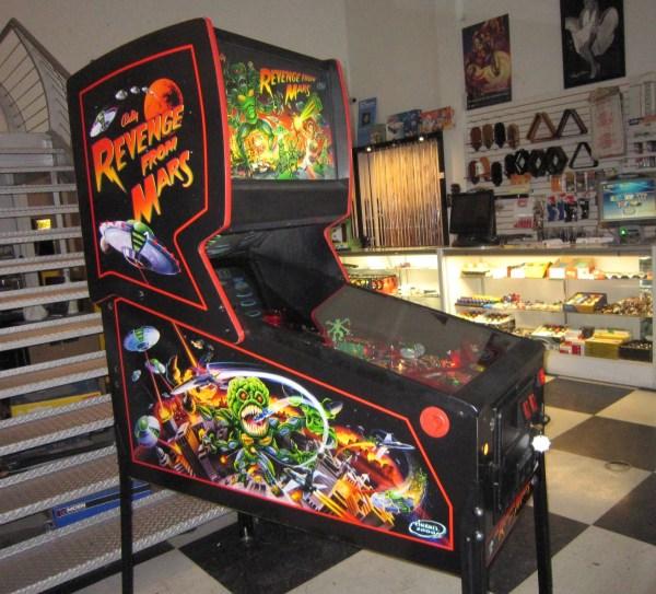 Revenge from Mars Pinball Machine * | Fun!