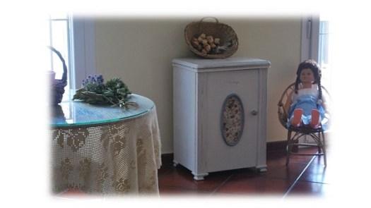 Mueble, máquina de coser