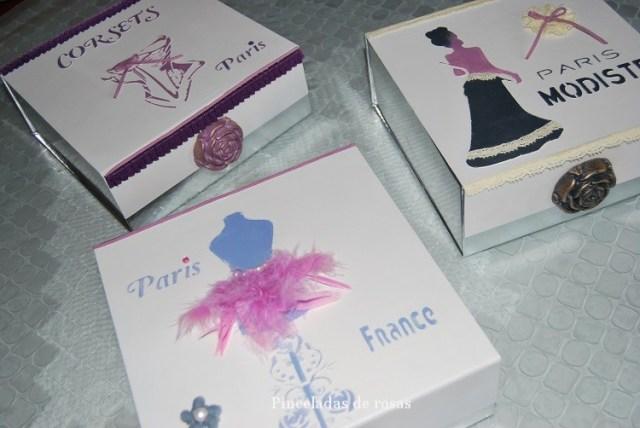Cajas de cartón plateadas (1)