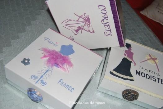 Cajas de cartón plateadas (2)