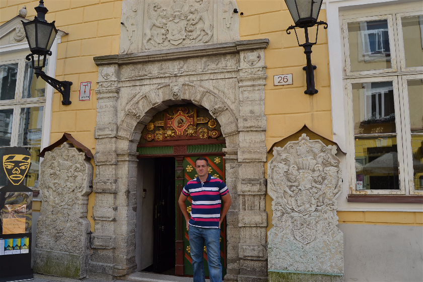 Hermandad Cabezas Negras, Tallin, Estonia