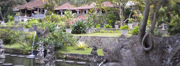 Diario Bali (Indonesia): Días 1-3: Candidasa, Tenganan, Tirta Gangga, Goa Lawah, Kusamba, Pura Besakih