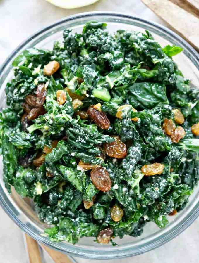 Dark leafy green salad with lemondressing