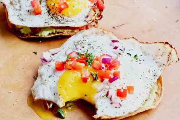Egg on corn tortilla