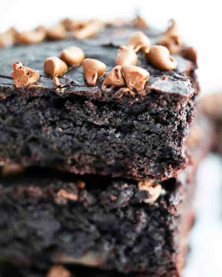 Healthy 7 ingredient fudgy brownies!  Decadent chocolate flavor, hints of peanut butter, fudgy, cakey and the prefect dessert that is low-fat, low-sugar and gluten-free!!!  #glutenfreedessert, #healthy brownies