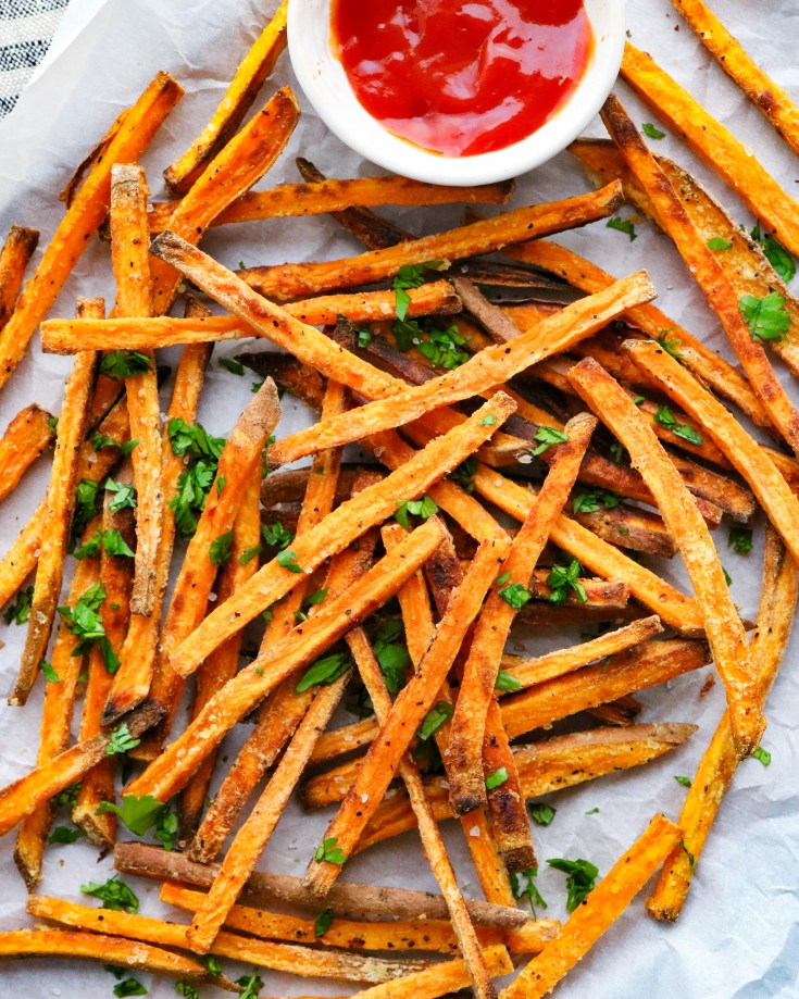 Very easy, simple crispy paleo sweet potato fries that can be ready in no time at all, are baked not fried, healthier than traditional French fries, and are so good you will want to make them all the time! #paleorecipes #sweetpotatofries #healthysnacks #easykidfriendlyrecipes