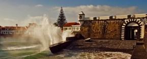 Portão do mar do Porto Pim