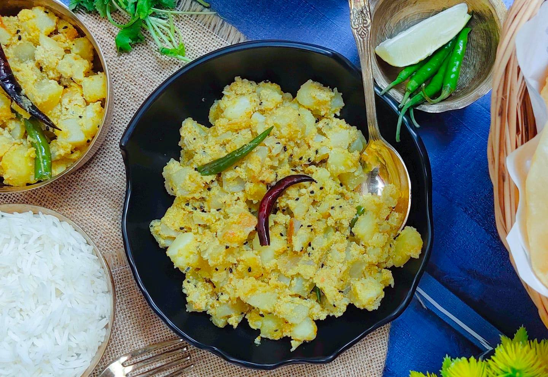 Aloo Posto Recipe (Potato cubes cooked with poppy seeds paste)