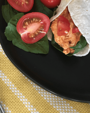 Easy & Healthy Buffalo chicken wraps