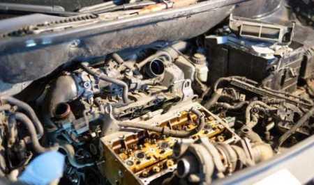 Penyebab RPM Mobil Karburator Naik Turun