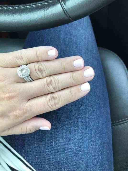 dip manicure