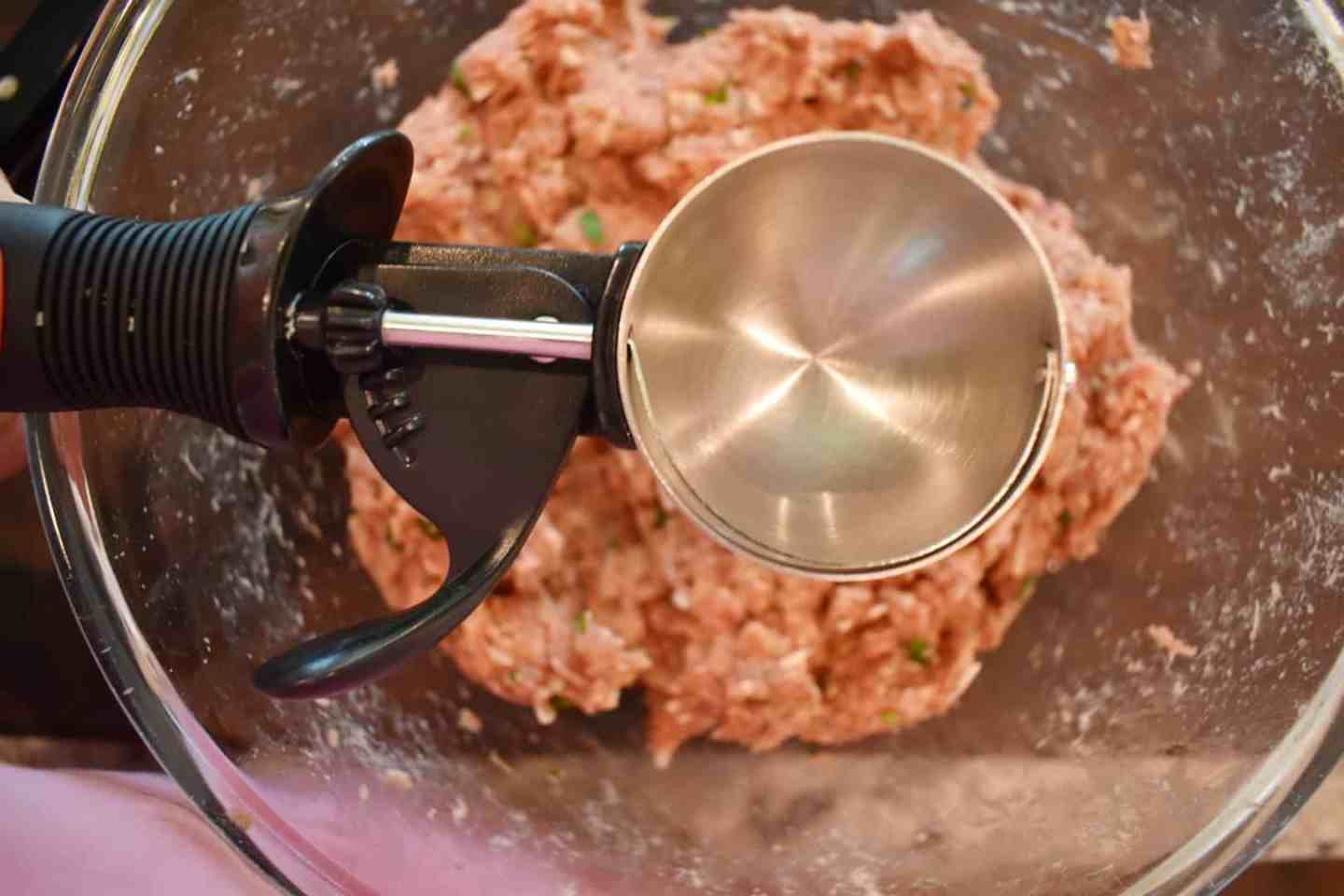 ice-cream-scoop-to-form-meatballs