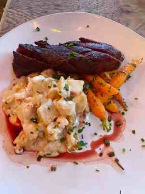 Field-and-Tides-Steak-and-Potatoes