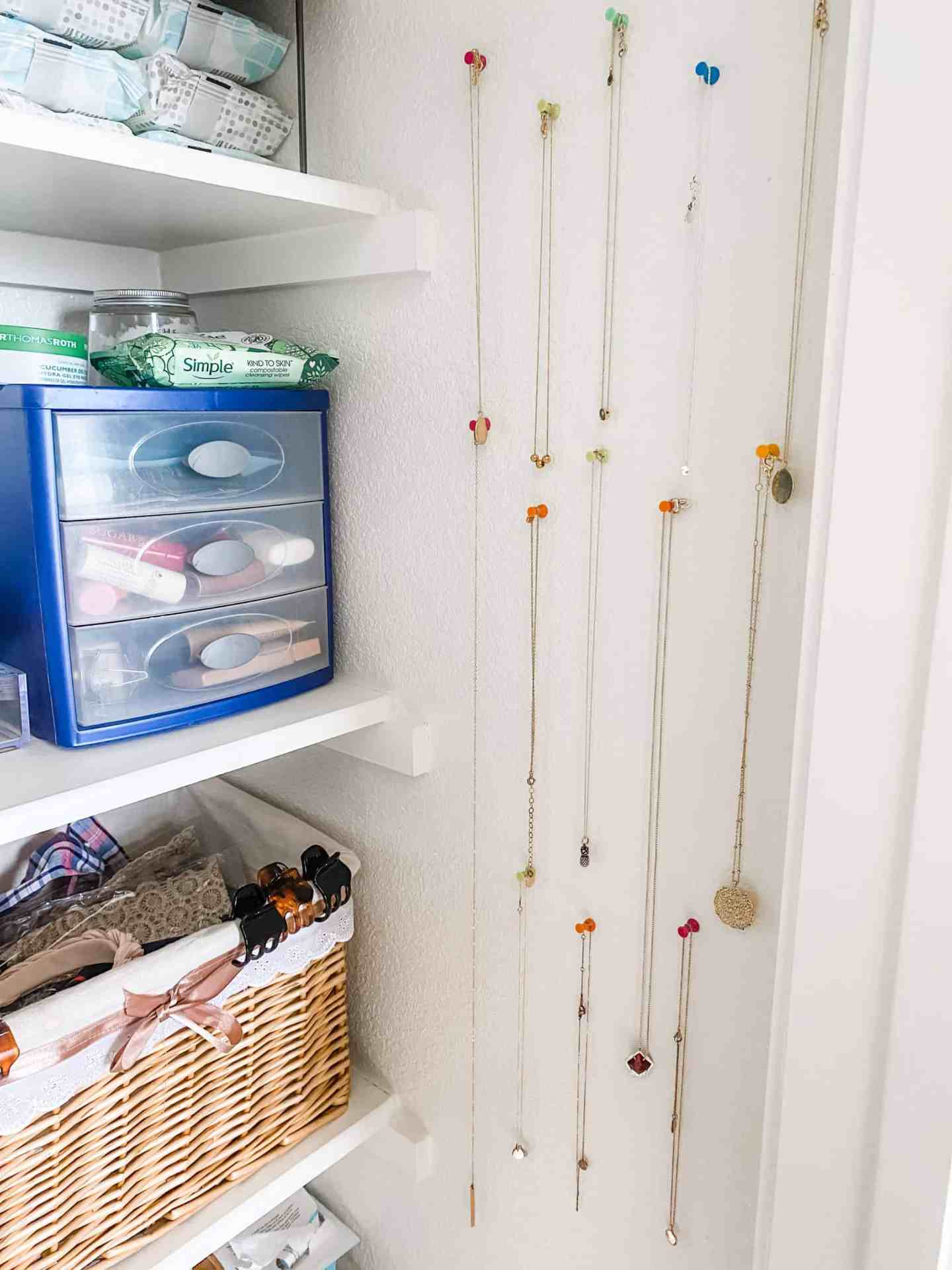 Necklace-Display-and-Storage