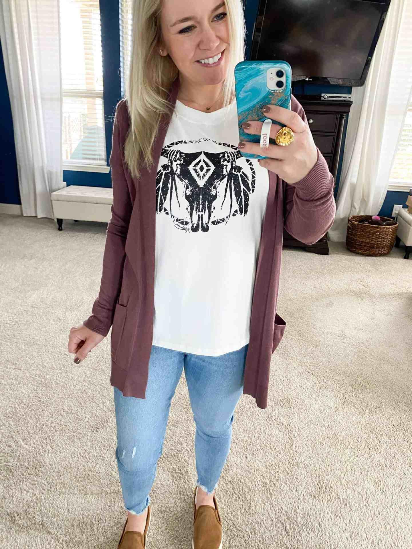 skull-t-shirt-amazon-with-cardi