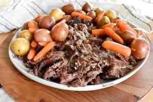 Easy Pot Roast Slow Cooker