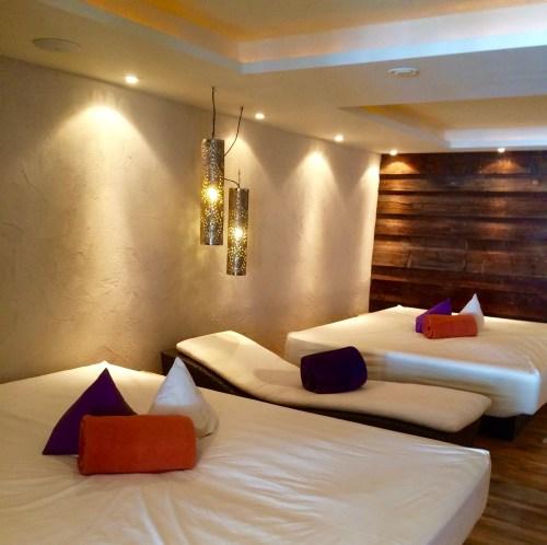 Ruhezone mit beheizten Wasserbetten.