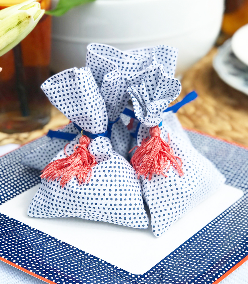 Martha Stewart Favor Bags for a Peach Outdoor Summer Party