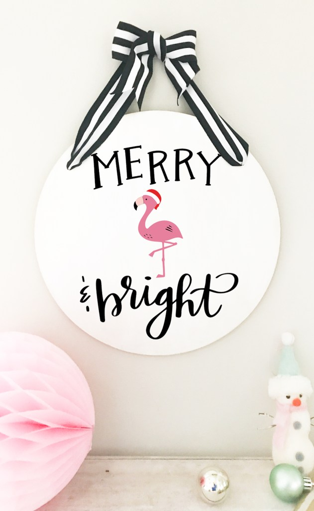 How to Make a DIY Flamingo Christmas Merry & Bright Sign with your Cricut by Pineapple Paper Co.