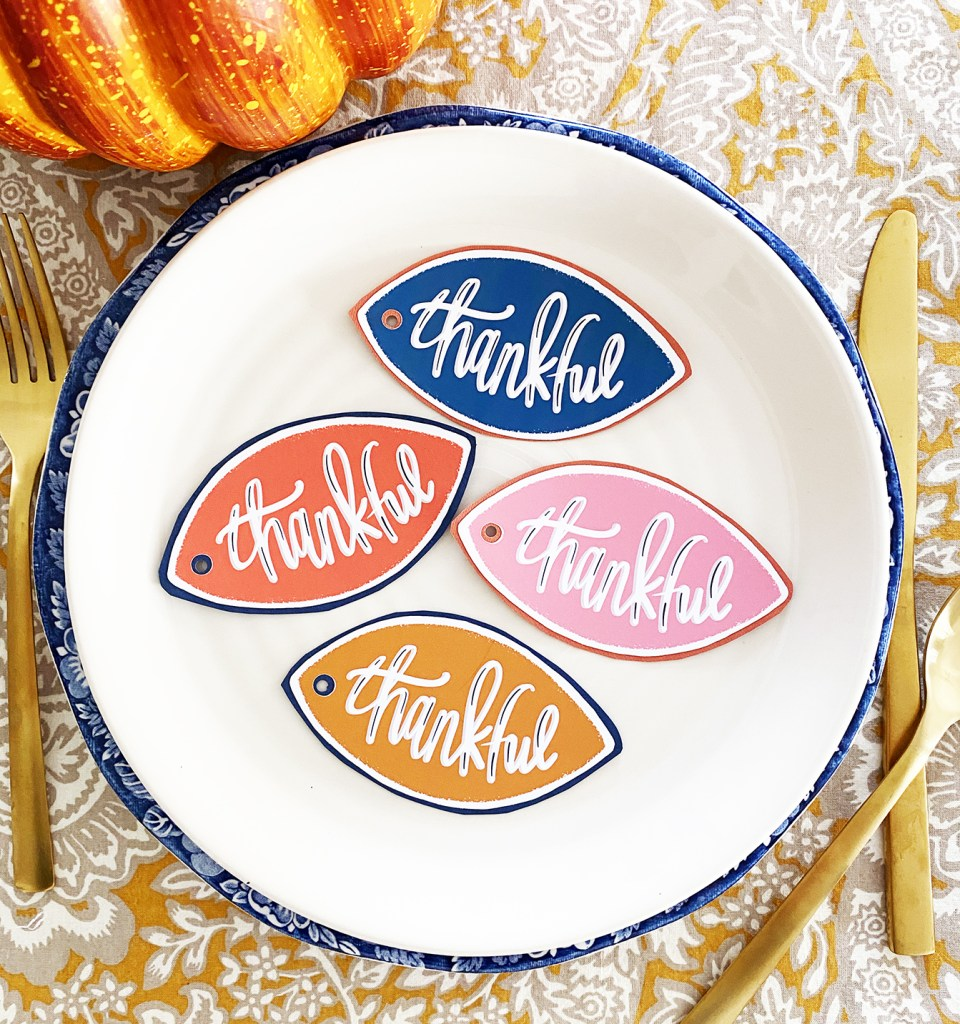 Download FREE Printable Thanksgiving Tags - Colorful Thankful Leaves Printable