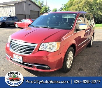 2012 Chrysler Town & Country Limited Fwd
