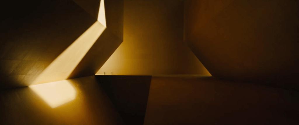 Interior Wallace Corp. Imagen vía: Blade Runner 2049 Trailer