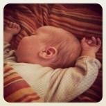 Der eL ist ein kleiner Morgen-Räkler. Wie seine Mama. Ich kann auch nicht aufwachen und aus dem Bett hüpfen...