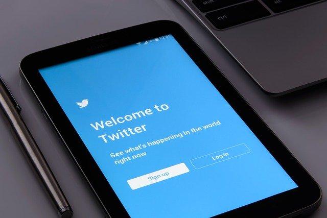 kebijakan centang biru twitter