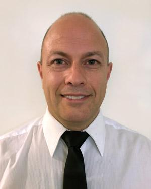 Dr Darren Geer