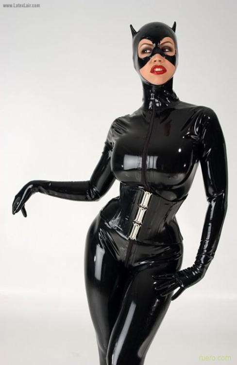 Bianca Beauchamps Catwoman (2)
