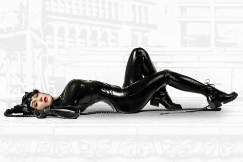 Kristen Hughey(USA) as Catwoman (3)