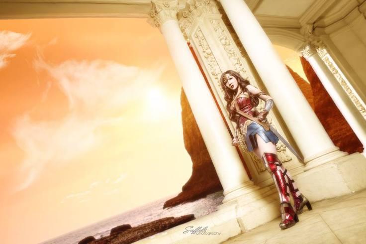 Wonder Woman Cosplay (1)