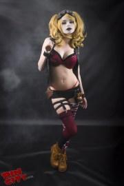 Rin Cosplay - Harley Quinn mise à nu