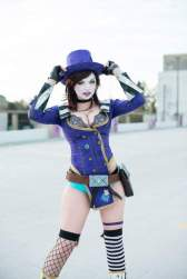 Mad Moxxi Cosplay (3)