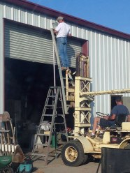 workplace-safety-fails-men-accident-waiting-to-happen-27-58d0ec21cee6b__605-7