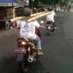 workplace-safety-fails-men-accident-waiting-to-happen-42-58d2446395968__605-7