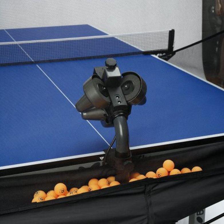 ball feeding mechanism