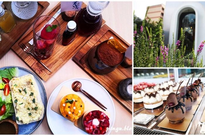 台中甜點 kafeD 德勒斯登河岸咖啡 城市中的森林系絕美咖啡廳 創意年輪蛋糕專賣店